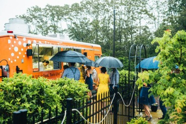 Food truck caters wedding reception
